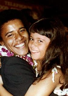 Obama peluk adik tirinya, Maya Soetoro