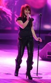 Allison Iraheta slashed out from American Idol